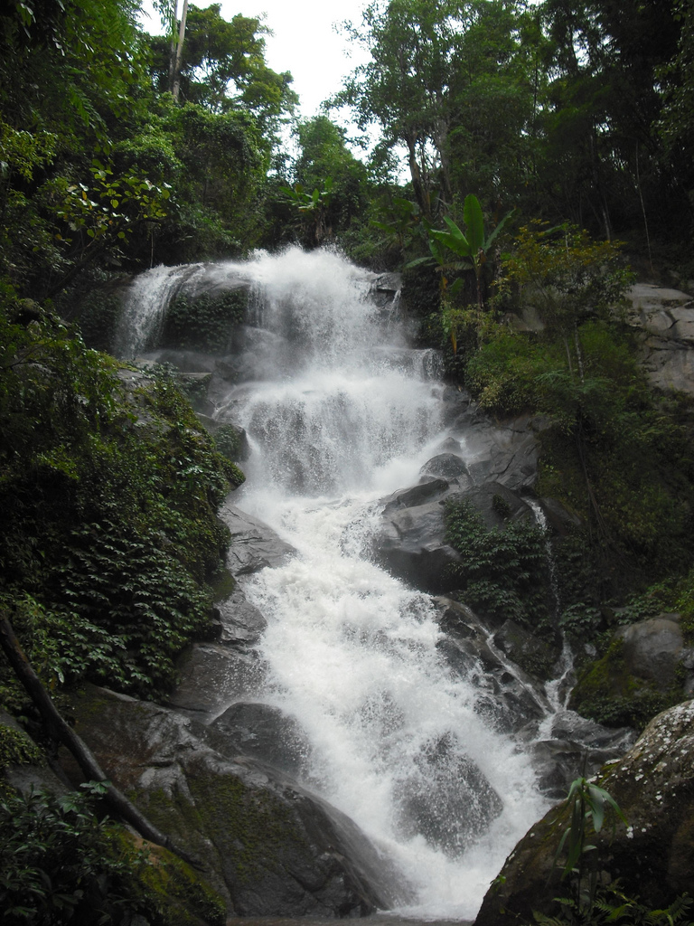 Houy Kaew Waterfall
